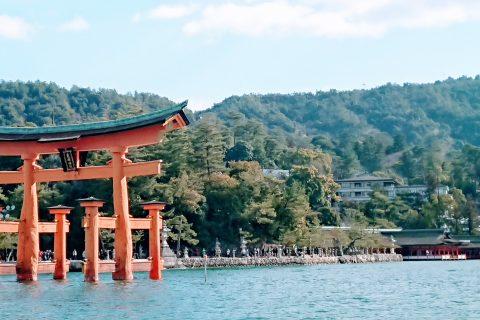 宮島モーニングクルーズ毛利丸からの風景