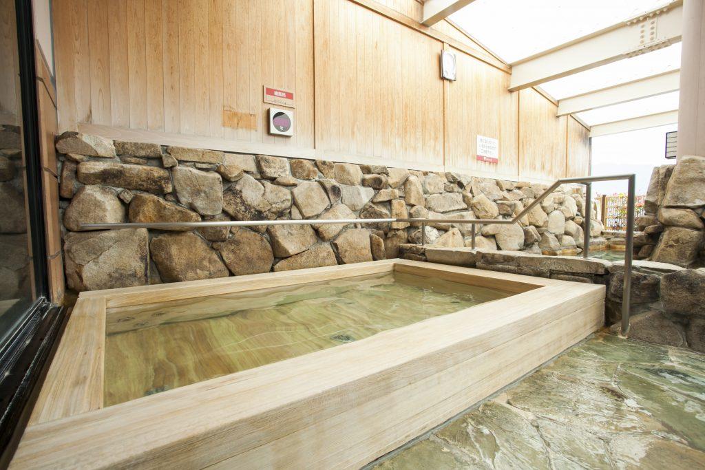宮浜温泉べにまんさくの湯
